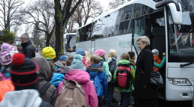 """Zwei Jahre Bustransfer: """"Wie sollen wir das durchhalten?"""